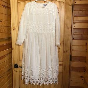 NWOT Dainty Jewell's midi Dress